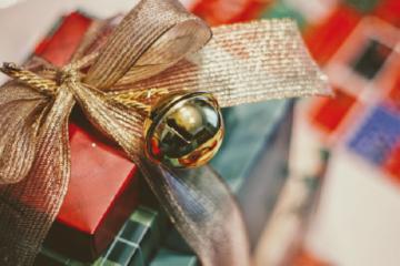 Cadourile şi tichetele cadou acordate salariaţilor şi alte cadouri în scop de marketing oferite de Crăciun